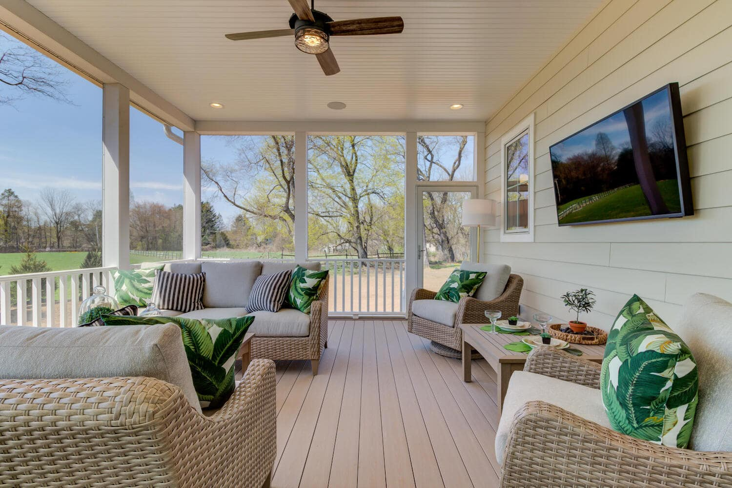 New furnished patio from Bentley Homes.